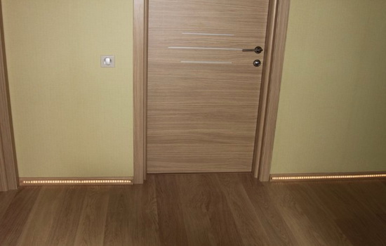 Более светлый вариант пола и дверей