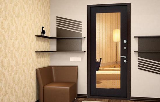 Дизайнерское оформление входной двери. Варианты внутренней и внешней отделки