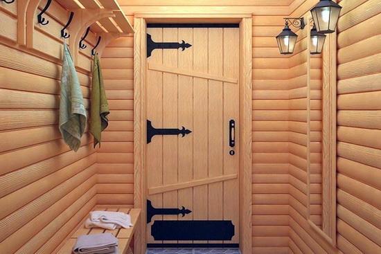 Двери в баню из древесины