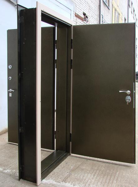Двойная входная железная дверь на одной коробке