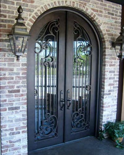 Двойные двери в частные дом