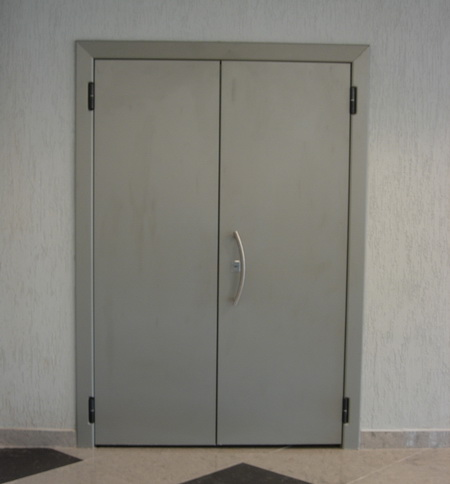 Двупольная дверь, отделка порошковое ныпыление