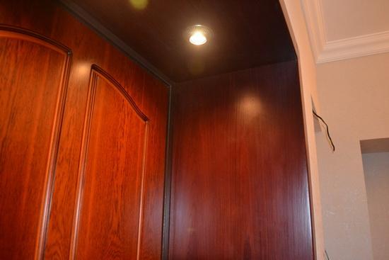 Фото отделки входной дверной конструкции ламинатом