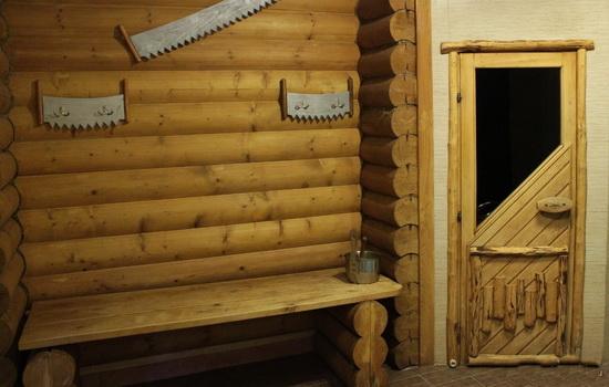 Фото-пример комбинированных дверных систем