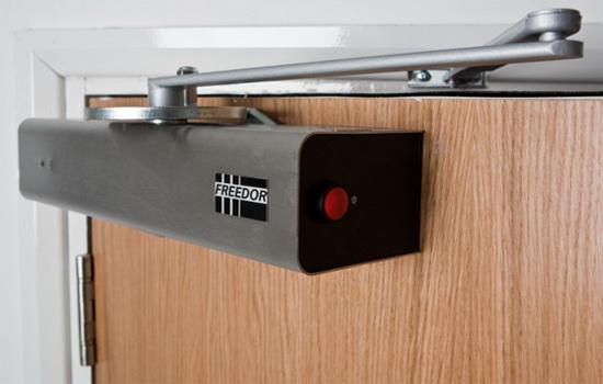 Как выбрать доводчик для двери