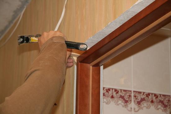 Коробка (короб) - важная составляющая дверной конструкции - она должна выдерживать вес полотна (с запасом)