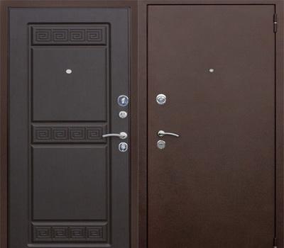 Красивые коричневые двери