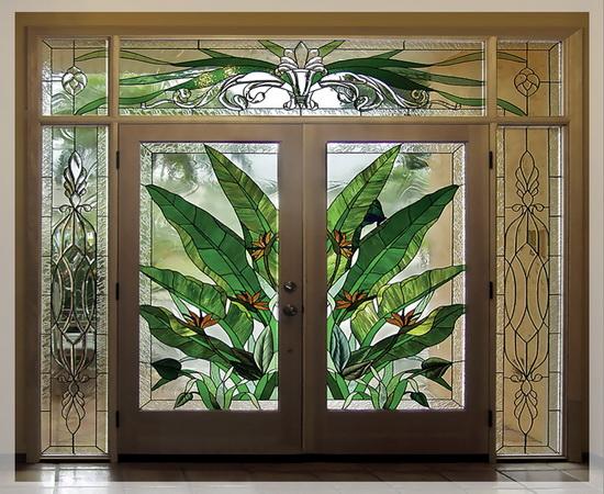 Красивый рисунок на межкомнатных дверях
