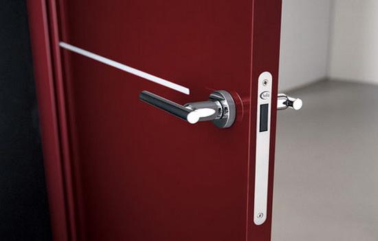 Красная дверь с магнитом