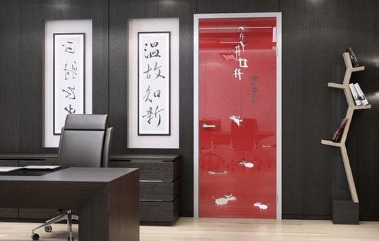 Межкомнатные красные двери. Смелый дизайн для современных помещений
