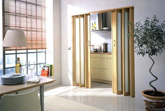 Нестандартные деревянные двери. Определение, варианты применения