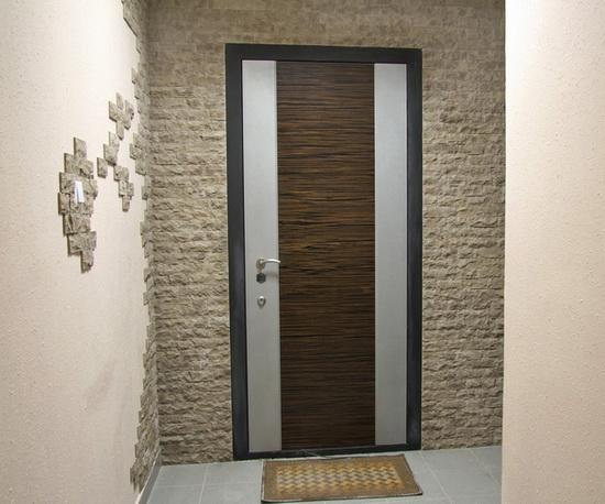 Oformlenie-vhodnoj-dveri