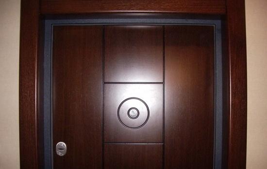 Отделка откосов для входной двери (натуральный шпон Венге)