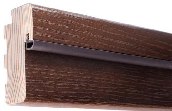 Пример крепления уплотнителя к деревянной двери