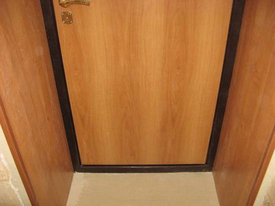 Пример обшивки входной двери панелями МДФ изнутри