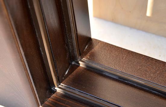 Расположение уплотнителя на входной двери