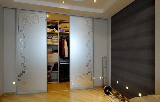 зачем нужна дверь в гардероб