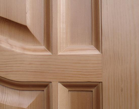 Структура сосновой двери