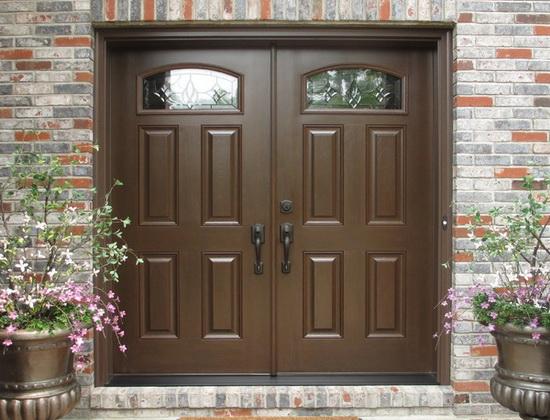 Входные двойные двери: однородные и комбинированные