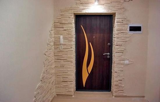 Внутренняя отделка входной двери и проема