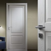 Белые межкомнатные двери. Элегантное решение для квартиры