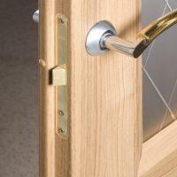 Межкомнатные двери с притвором. Возможности и описание конструкции