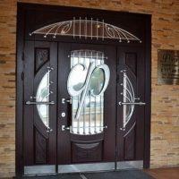 Элитные входные двери: металлические и деревянные. Описание возможностей