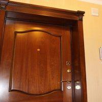 Материалы для отделки входных дверей. Описание наиболее распространенных вариантов
