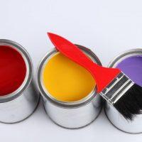 Краска для металлических дверей. Виды и характеристики