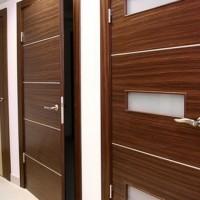 Ламинированные межкомнатные двери: устройство, преимущества, особенности монтажа