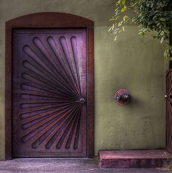 luchshie_vkhodnye_dveri_v_chastnyy_dom_12