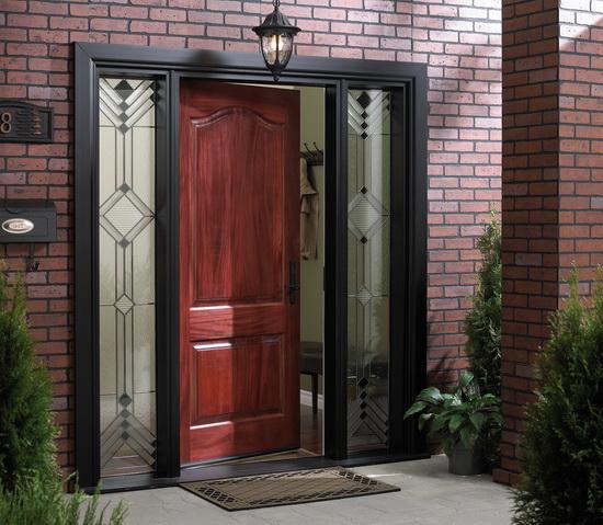vhodnye-dveri-v-chastnyj-dom