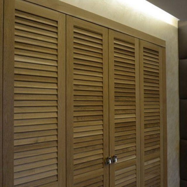 Двери-жалюзи межкомнатные. Виды, достоинства и область применения