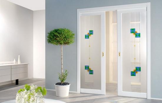 Двойные межкомнатные двери со стеклом. Виды, эксплуатация, уход