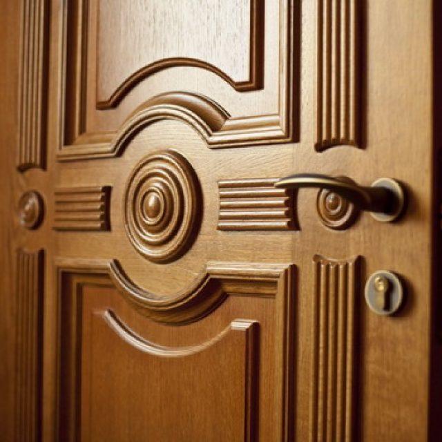 Элитные межкомнатные двери из массива дерева. Возможности и отличия