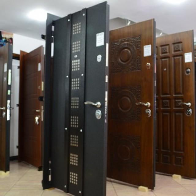 Как выбрать металлическую входную дверь в квартиру