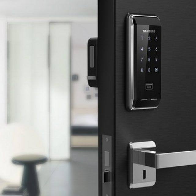 Кодовые дверные замки. Виды, возможности, сравнение