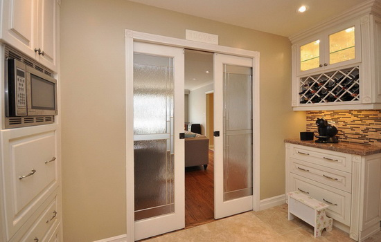 Нужна ли дверь на кухню? Аргументы за и против
