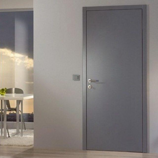 Серые межкомнатные двери. Особенности подбора для дома и офиса