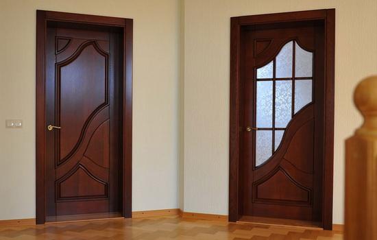 Сколько весить деревянная межкомнатная дверь и отчего зависит ее масса
